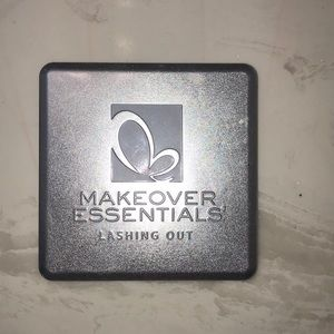 Makeover essentials lashing out pallet